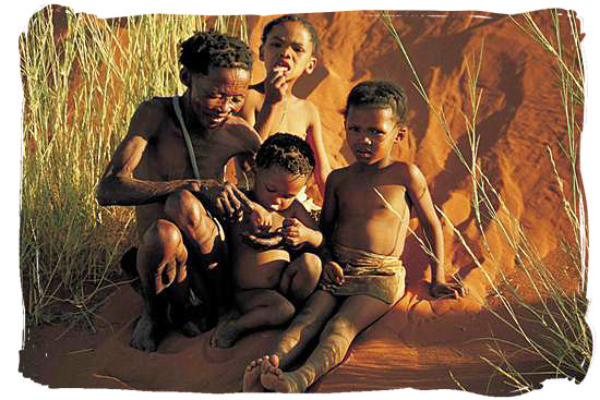 bushmen-family-sat-sanbushmen