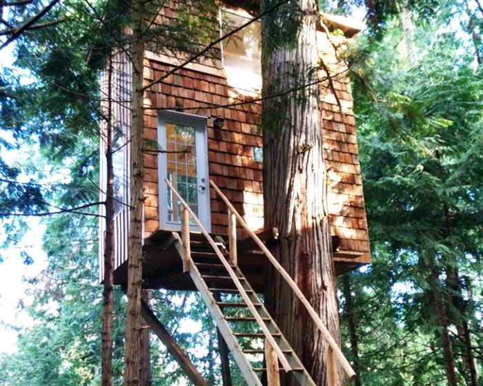 Raven-Loft-Stairway
