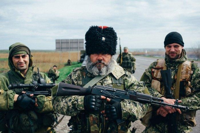 Отряд народного ополчения донбасса оборудуют новый блок пост на трассе в Харьков, проверят все автобусы и грузовые машины.