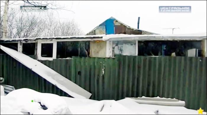 inside_hut.jpg