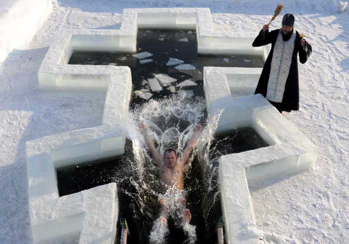 TOPSHOTS-BELARUS-RELIGION-BAPTISM