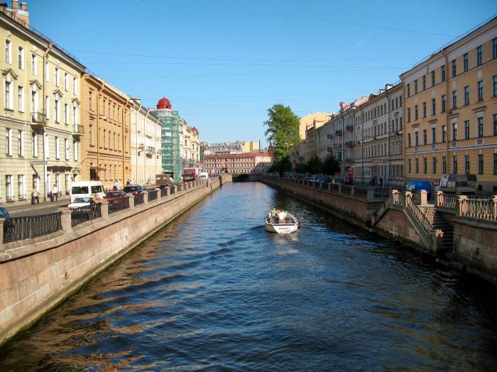 Saint_Petersburg_Griboyedov_Canal_IMG_6923_1280
